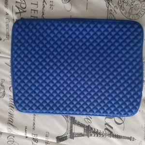 Accessories - New w/o tags Laptop Case Blue